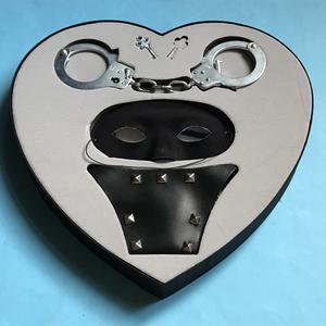 MADONNA - Erotica Heartshaped S&M Sexy CD Box set 1992