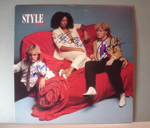 STYLE - So chic  Signerad LP