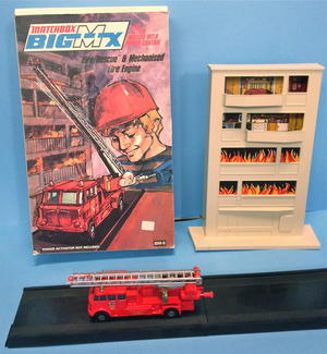 MATCHBOX Big MX - Fire rescue & Mechanised fire engine 1971 in BOX